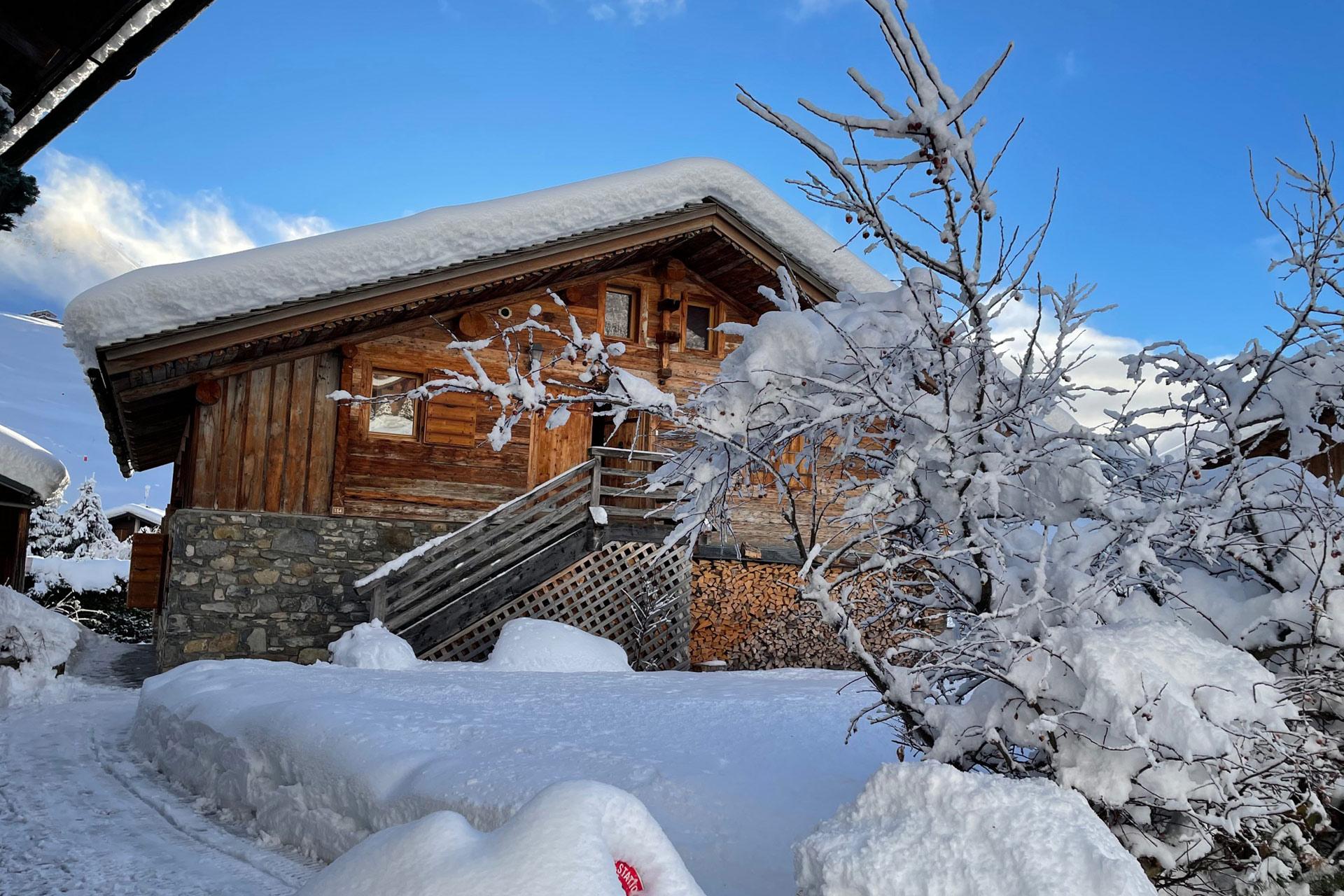 Le-chalet-en-hiver-entrée-nord